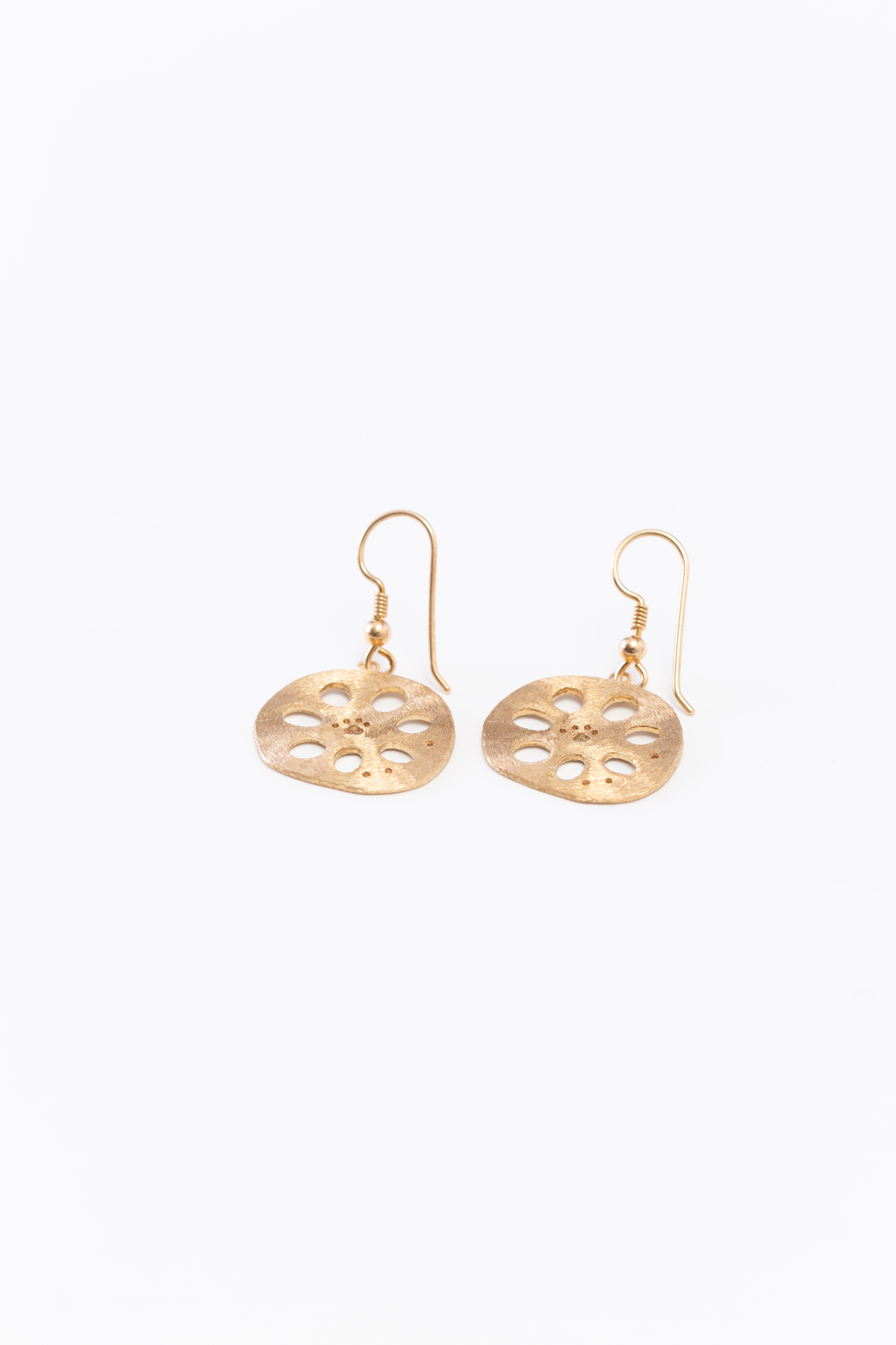 Lotus_Earring(gold) (hook type)
