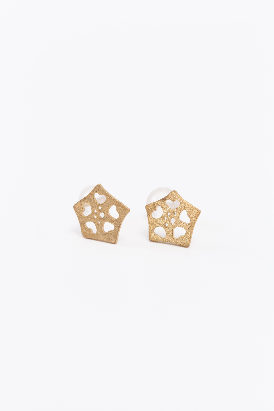 Okra_Earring (gold) (post type)