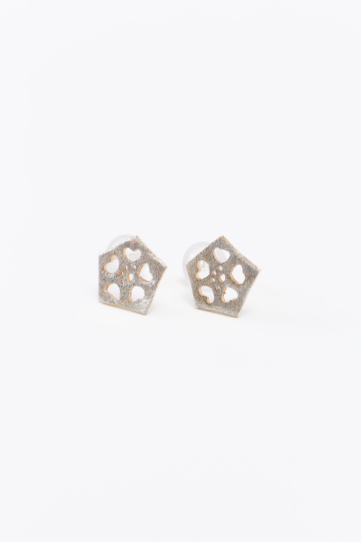 Okra_Earring (silver) (post type)