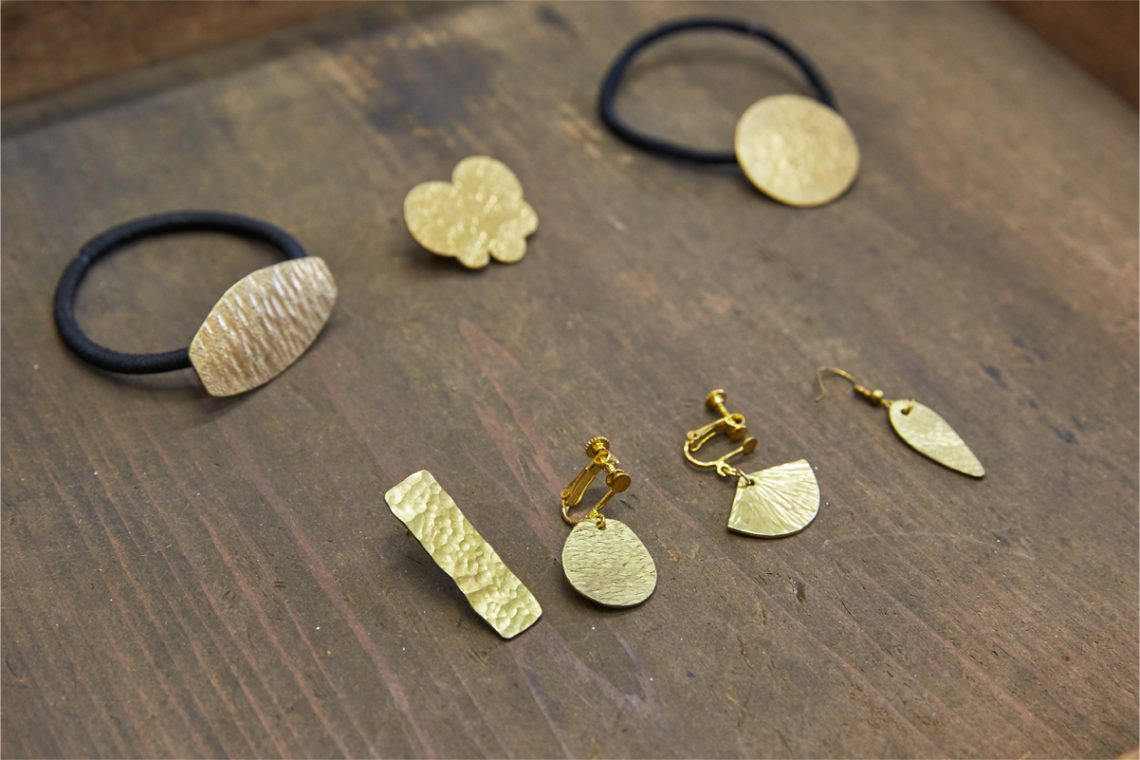 Join the [Trial Class for Making Brass Accessories] organized by Atelier Tan and make your own pierced earrings and earrings!
