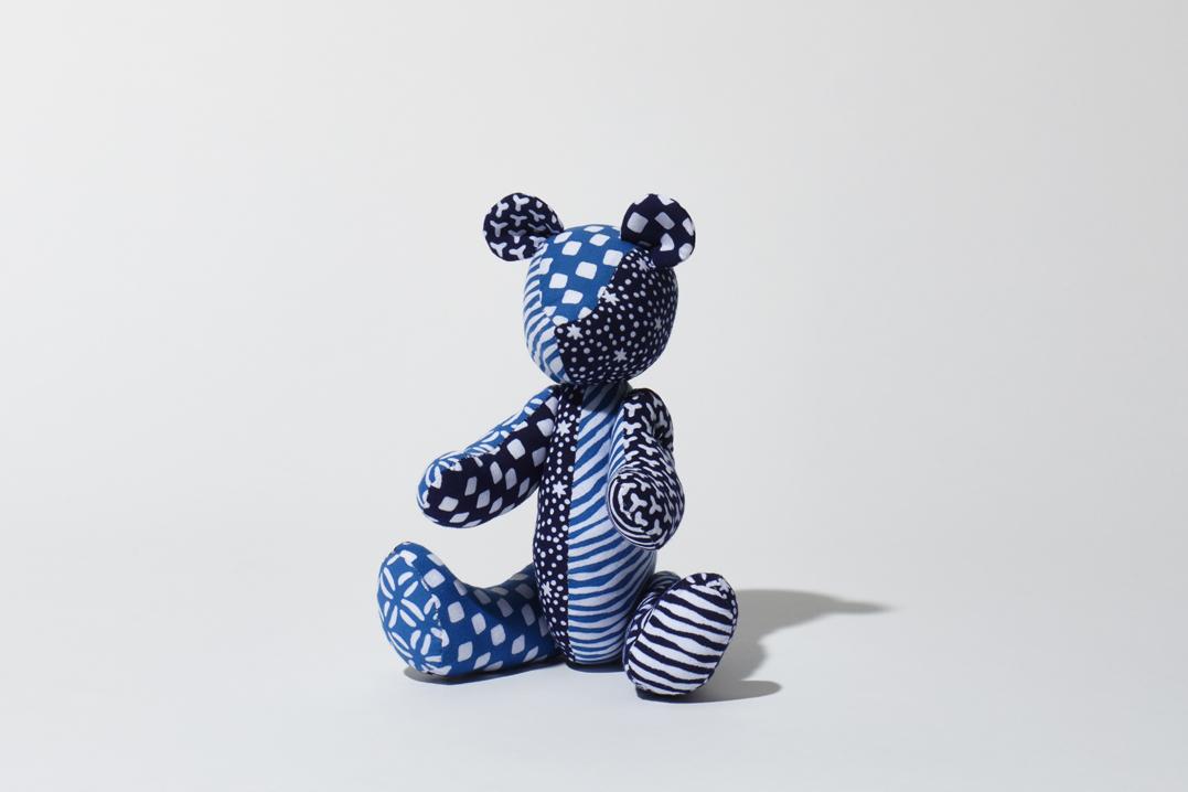 くま(ブルー)人形