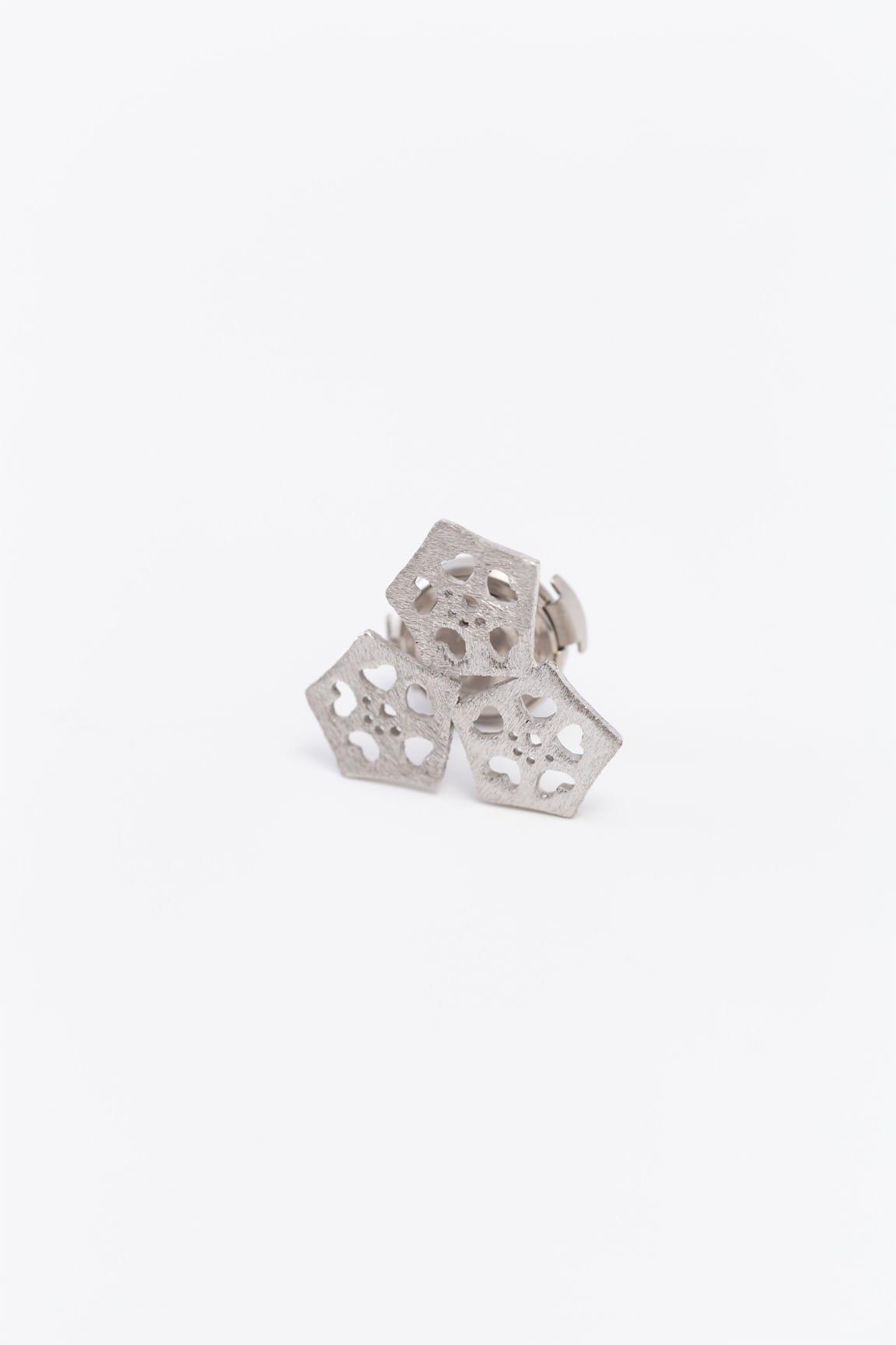 オクラ3個ピンブローチ(銀)