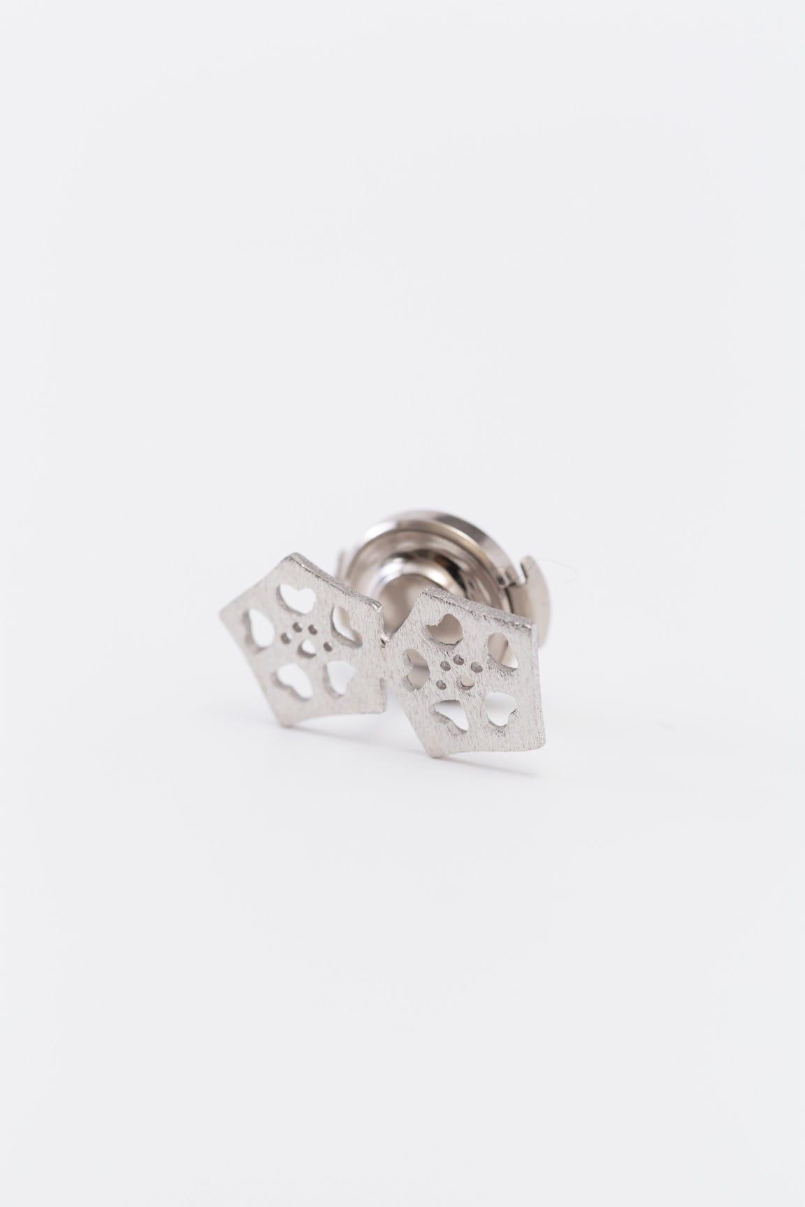 オクラ2個ピンブローチ(銀)